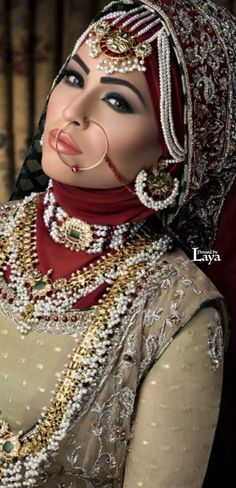 ♔LAYA♔BRIDAL FASHIONS♔ Beautiful makeup and jewelry.
