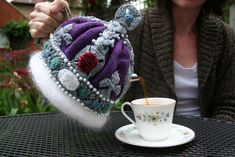 Royal tea cosy