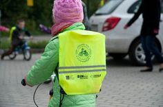 """Dzieci z Przedszkola Miejskiego nr 3 w Ustce w ramach projektu """"Moje Pierwsze Dwa Kółka"""" na tydzień czasu otrzymały rowerki, którymi będą mogły ćwiczyć naukę jazdy. #Ustka24Info"""