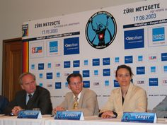 BMC's Marketing Manager Marcel Riediker at the international press conference presenting the teams and the story for Zurich Metzgete 2003.