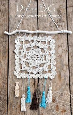 Dreamcatcher made by My own spot Inspiración p ✿ƬⱤ ღ www. Crochet Dreamcatcher, Crochet Mandala, Crochet Motif, Crochet Doilies, Crochet Flowers, Free Crochet, Knit Crochet, Crochet Patterns, Crochet Decoration