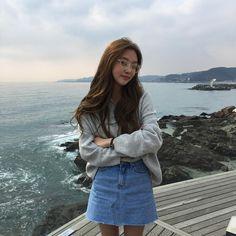 Mode Ulzzang, Ulzzang Korean Girl, Modest Fashion, Girl Fashion, Fashion Outfits, Fashion Tips, Korean Photo, Korean Fashion Online, Girl Korea