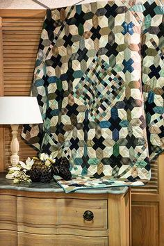 Fuyu Quilt – Janet Bibby – Quiltmania magazine 129 Japanese Quilts, Japanese Fabric, Traditional Quilt Patterns, Plus Quilt, Pattern Making, Digital Prints, Cool Designs, Squares, Inspiration