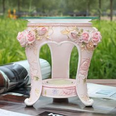 Aliexpress.com : Buy Linsi Man series of European pastoral style the painted reliefs Rose Vaporizer incense containing candles from Reliable Utensils suppliers on huige bai's store $32.38 Candle Craft, Vintage Candles, Soy Wax Candles, Utensils, Incense, Wedding Events, Home And Garden, Pottery, Store