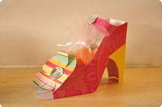 """Paper Shoe Treat for a """"Sole"""" mate!! http://www.allthingsthrifty.com/2012/02/paper-shoe-treat-for-sole-mate.html"""