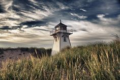 Covehead Harbour Lighthouse by abruce