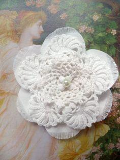 Shabby Blume weiß Vintage Hippie Perle Spitze gehäkelt Hochzeit Handarbeit
