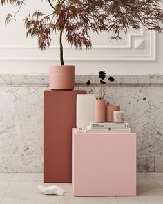 How to use the color terracotta in its decor Couleur Rose Pastel, Pastel Shades, Terracotta Floor, Lounge Decor, Salon Style, Blush Roses, Trendy Colors, Home Office Decor, Amazing Bathrooms