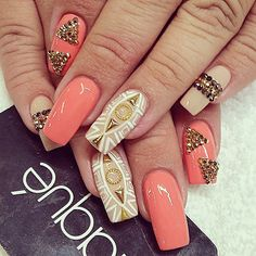 Find images and videos about nails, gold and nail art on We Heart It - the app to get lost in what you love. Sexy Nails, Dope Nails, Fancy Nails, Fabulous Nails, Gorgeous Nails, Pretty Nails, Laque Nail Bar, Uñas Fashion, Manicure E Pedicure