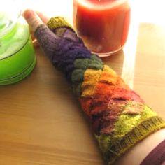 Entralac fingerless gloves