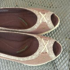 I just added this to my closet on Poshmark: Grasshoppers Napa Wedge Rope Espresso Shoes. Price: $40 Size: 7.5