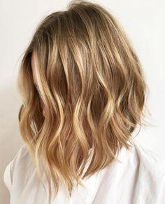 Honey Blonde Choppy Lob blonde hair styles 70 Devastatingly Cool Haircuts for Thin Hair Damp Hair Styles, Medium Hair Styles, Short Hair Styles, Haircuts For Fine Hair, Cool Haircuts, Pixie Haircuts, Bobs For Thin Hair, Thick Hair, Honey Blonde Hair