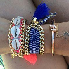 #bohochic #bracelet #BonkIbiza #friendshipbracelets #escavallet #tassels #cowrieshell #cowrie #pink #blue #ibizabracelet
