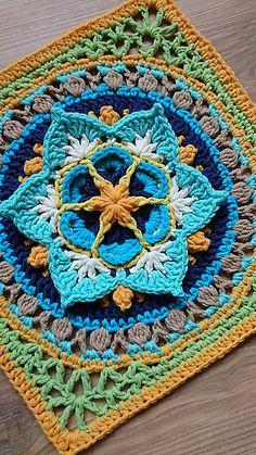 Crochet Mandala Pattern, Granny Square Crochet Pattern, Crochet Stitches Patterns, Knitting Patterns, Crochet Granny, Knitting Ideas, Crochet Squares Afghan, Crochet Blocks, Granny Squares