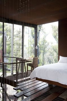 Callignee 2 Bush fire resistant architecture Spare bedroom study - very inspiring story! Feng Shui, Exterior Design, Interior And Exterior, Grand Designs Australia, Louvre Windows, Beautiful Home Designs, Tuscan House, Shabby, Australian Homes