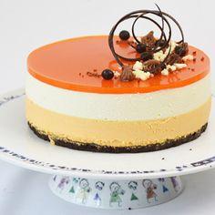 Cheesecake med Havtornmousse Sweet Recipes, Cake Recipes, Snack Recipes, Dessert Recipes, Cheesecake Decoration, Dessert Decoration, Torte Recepti, Scones Ingredients, Love Eat