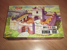 Airfix HO scale Roman Fort, for battles between the Ancient Romans and Britons. 1970s Childhood, My Childhood Memories, Childhood Toys, Small Soldiers, Toy Soldiers, Antique Toys, Vintage Toys, Britains Toys, Airfix Kits
