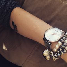Esencja kobiecości. #hanowa #hanowawatch #watch #zegarek #romantic #pearls #silver #date #butikiswiss #dlaniej