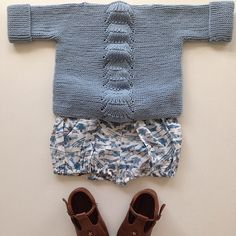 Knitted sweater and airplane romper - Norsk Barnemote