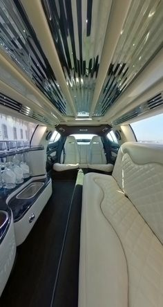 Porsche Panamera, Dubai Cars, Above Ground Pool Landscaping, Wedding Transportation, Party Bus, Best Luxury Cars, Benz Car, Bike Style, Beautiful Places To Travel