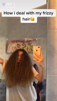 Thick Frizzy Hair, Frizzy Hair Tips, Curly Hair Care, Curly Hair Styles, Caring For Curly Hair, Hairstyles For Frizzy Hair, Curly Wavy Hair, Aesthetic Hair, Hair Videos