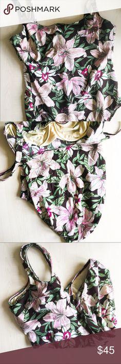 Lands End Swim One Piece Underwire Bathing suit Lands End One Piece Floral Swimsuit  Underwire  -Floral Print  Material: 72% Nylon 28% Spandex   -A8- Lands' End Swim One Pieces