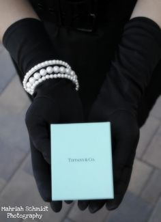 Breakfast at Tiffany's themed photo shoot