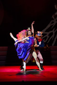 Elisha Willis (Empress Epine) with the Kings (Chi Cao, Tyrone Singleton, James Barton and Mathias Dingman) in The Prince of the Pagodas.© Bill Cooper. (Click image for larger version)