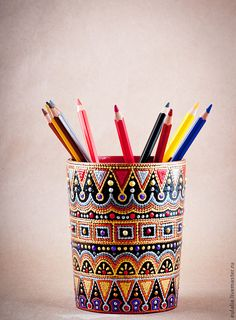 """GlobeIn: Hand painted Pencil Box """"Jocker"""" - point-to-point style Mandala Art, Mandala Painting, Glass Bottle Crafts, Bottle Art, Painted Rocks, Hand Painted, Point Paint, Quilled Creations, Dot Art Painting"""