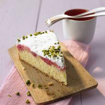 Rhabarberkuchen mit Pistaziencreme