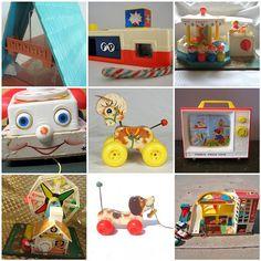 Ici: le téléphone, la télévision et le chien. (Mes jouets! Même que mes enfants jouent encore avec le manège à grande roue et le petit chien!)