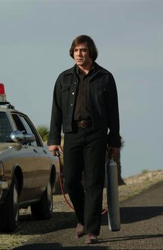 "Javier Bardem won the Academy Award for Best Supporting Actor for his role as the psychopathic assassin ""Anton"" in the 2007 film No Country for Old Men Javier Bardem, Great Films, Good Movies, Coen Brothers, Best Supporting Actor, Don Juan, American Dad, Film Music Books, Actors"
