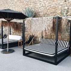 65 Outdoor Bed Ideas for Relaxing with Nature and Escape the Stuffy Indoors - Page 2 of 3