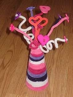 Button Bouquet with Pipe Cleaner Vase Craft For Kids
