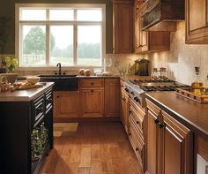 Diamond at Lowes - Find Your Style - Caldwell Maple Coffee with Artisan Glazing Maple Kitchen Cabinets, Custom Kitchen Cabinets, Custom Kitchens, Cool Kitchens, Small Kitchens, All White Kitchen, Kitchen And Bath, Kitchen Decor, Kitchen Ideas