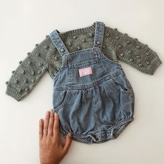 Baby clothes should be selected according to what? How to wash baby clothes? What should be considered when choosing baby clothes in shopping? Baby clothes should be selected according to … Baby Girl Fashion, Kids Fashion, Baby Girl Outfits, Toddler Fashion, Toddler Outfits, Fashion Outfits, Misha And Puff, Baby Wallpaper, Denim Romper