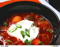 Ingredience jsou uvedeny na hrnec 2 - 2,5 l.Základem je správně uvařený vývar. Hovězí s kostí umyjeme ve studené vodě, vložíme do hrnce, zalijeme... Chili, Soup, Chile, Soups, Chilis