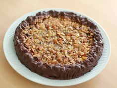 Walnut Cake a la Nøddetærte (in Danish) No Bake Desserts, Delicious Desserts, Real Food Recipes, Cake Recipes, Walnut Cake, Danish Food, Recipes From Heaven, Yummy Cakes, Sweet Treats