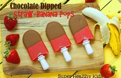 Chocolate Dipped Straw-Banana Pops - this recipe and may other good frozen summer treats Healthy Snacks For Kids, Healthy Treats, Healthy Desserts, Just Desserts, Healthy Food, Kid Snacks, Fruit Snacks, Healthy Eating, Banana Popsicles