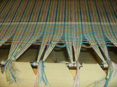Tricot Québec :: Quelques photos d'un montage de métier à tisser Quelques Photos, Montage, Hand Embroidery, Outdoor Blanket, Images, Diy, Weaving Projects, La Perla Lingerie, Tableware
