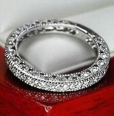 $1,980 VINTAGE 14K WG WOMEN DIAMOND WEDDING BAND RING
