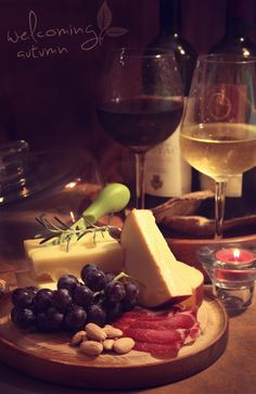 Welcoming autumn: dry white wine or red wine with frozen black grapes, emmental, trappist, smoked cheese with walnuts and prosciutto. And the song, which may not have the most appropriate title, evokes a Moroccan sunset. Enjoy the autumn! http://www.youtube.com/watch?v=UW4wlIN4oZs=1=PLE8C2C2A05C6BF561=results_video