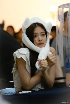 JENNIE 190630 blackpink photobook limited edition fansign Kim Jennie, South Korean Girls, Korean Girl Groups, Rapper, Grunge Girl, Insta Posts, Best Couple, Yg Entertainment, Photo Book