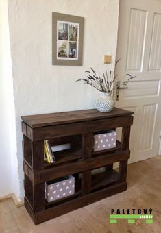 Pallet Decor, Console Table Behind Sofa, Diy Furniture, Living Room Decor Apartment, Cheap Home Decor, Home Decor, Pallet Home Decor, Pallet Patio Furniture, Pallet Furniture Outdoor