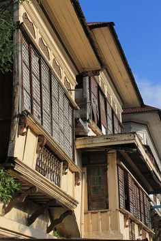 Heritage Houses by Edgar Alan Zeta-Yap (Taal, Batangas, Philippines) Spanish House, Spanish Colonial, Spanish Style, Filipino Architecture, Philippine Architecture, Batangas Philippines, Bali, Philippine Houses, Philippines Culture
