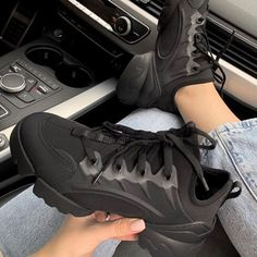 Sneakers Fashion, Fashion Shoes, Shoes Sneakers, Shoes Heels, High Heels, Différents Styles, Designer Heels, Mode Designer, Become A Fashion Designer