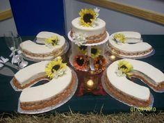 Horse Shoe Cake