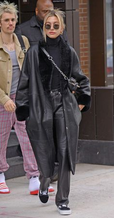 simple date outfits Estilo Hailey Baldwin, Hailey Baldwin Style, Indie Outfits, Fashion Outfits, Lolita Outfit, Look Fashion, Winter Fashion, Look Boho, Looks Street Style