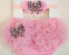 Pink Diaper Cover & Matching Headband SET-Bloomers-Baby Girl Clothes-Light Pink-Newborn-Infant-Toddler-Fancy-Photography Prop-Pretty Bow on Etsy, Baby Set, Baby Outfits, My Baby Girl, Baby Love, Baby Girl Fashion, Kids Fashion, Emma Ross, Baby Baptism, Baby Bloomers