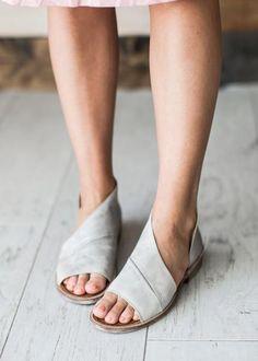 Mont Blanc Sandal - Dove #ShoeFreak